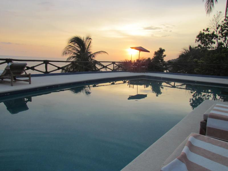 Oceanfront with spectacular sunset - Villa Pamona - Image 1 - Acapulco - rentals