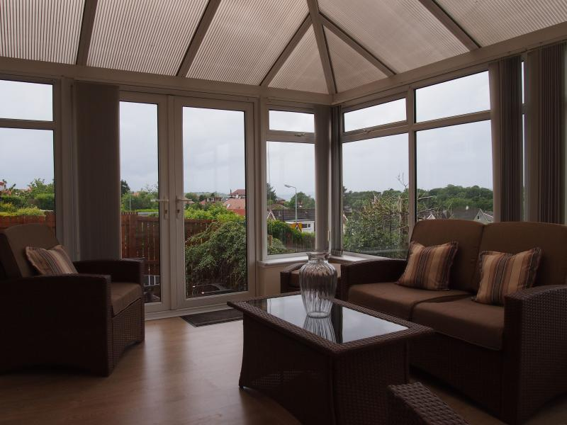 Enjoy the views from the conservatory - Between River and Hills - Largs - rentals