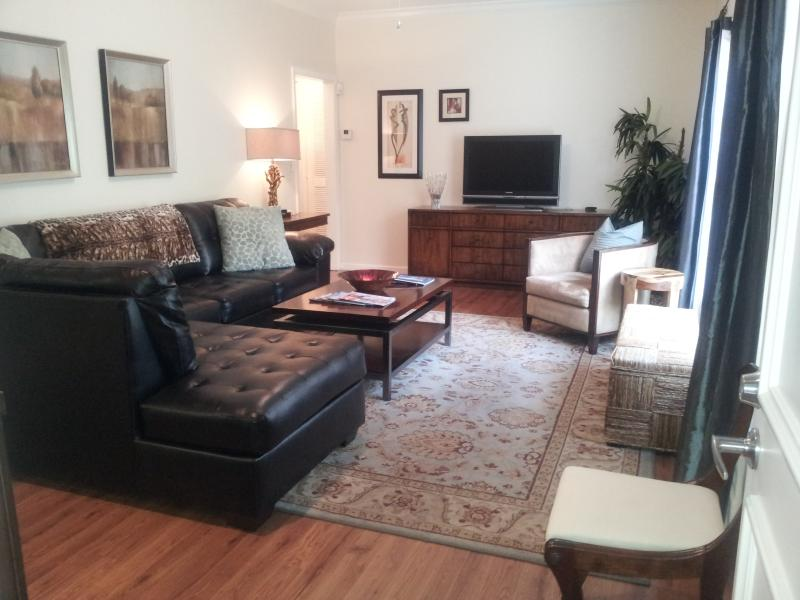 Living Room - The Mansion's Guest House - West Palm Beach - rentals