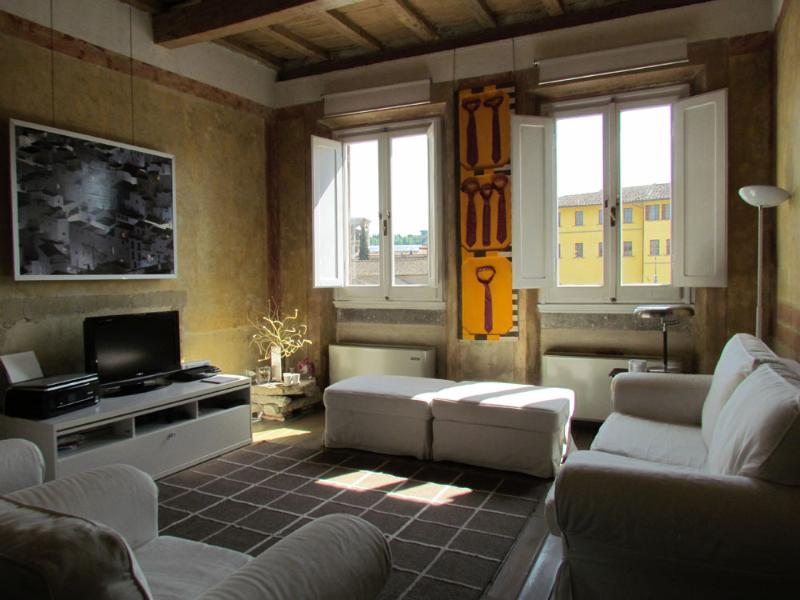 Florence Apartments - Apartment Croci - Image 1 - Florence - rentals