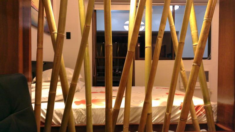 Premier Studio with Balcony in Makati (A4) - Image 1 - Makati - rentals