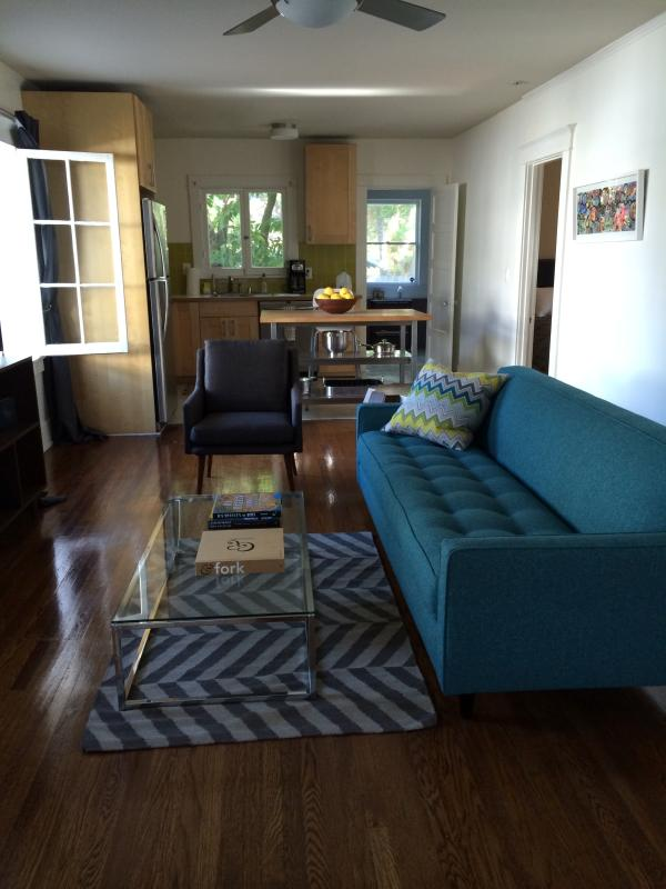 Gated historical bungalow with backyard - Image 1 - West Hollywood - rentals