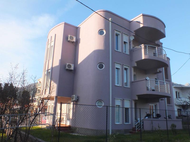 Apartments to rent - Image 1 - Bar - rentals