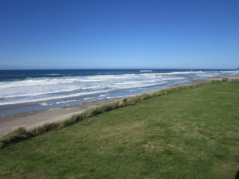 Beach Hideaway 2 - view to the north - BEACH HIDEAWAY #2 - Lincoln City - Lincoln City - rentals