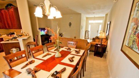 4 Bedroom 3 Bathroom Town Home in Trafalgar Village. 2517OKC - Image 1 - Orlando - rentals