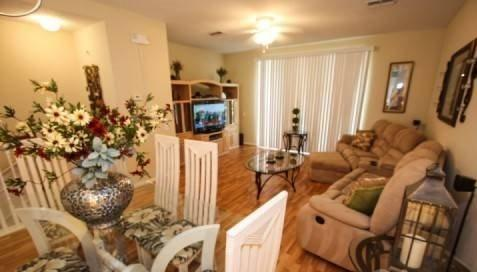 Spacious 3 Bedroom 3 Bath Town Home Near Universal. 5075TC-55 - Image 1 - Orlando - rentals