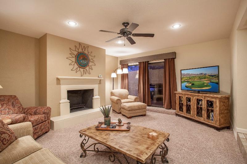 Living Room with Queen sleeper sofa - Santa Fe Splendor - 2 bed town home 2 car garage - Scottsdale - rentals