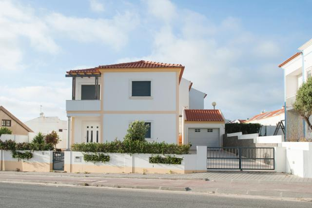 main entrance - Baleal Beach Holiday Villa - The Sun Terrace House - Baleal - rentals