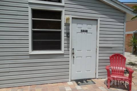 Front Entrance - The Hideaway Bungalow - Fort Myers Beach - rentals