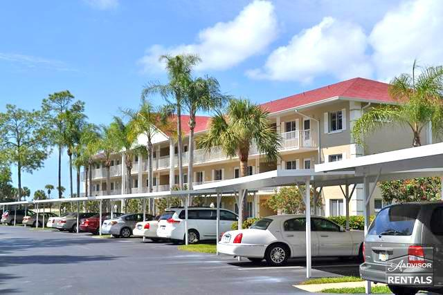 Lovely first floor two bedroom condo overlooking the golf course- Available only in the SUMMER months! - Image 1 - Naples - rentals
