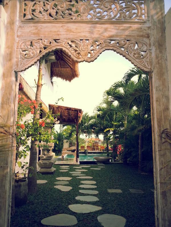 welcome through the main entrance - cheap 4-5 or 6BR family-group for relaxed holidays - Kerobokan - rentals