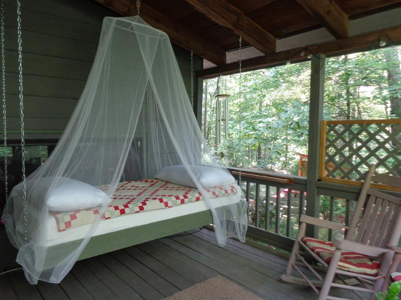 Hanging Bed on the Porch - HANGING BED ON PORCH! Real Mnt. Cabin. Yoga Studio - Blue Ridge - rentals