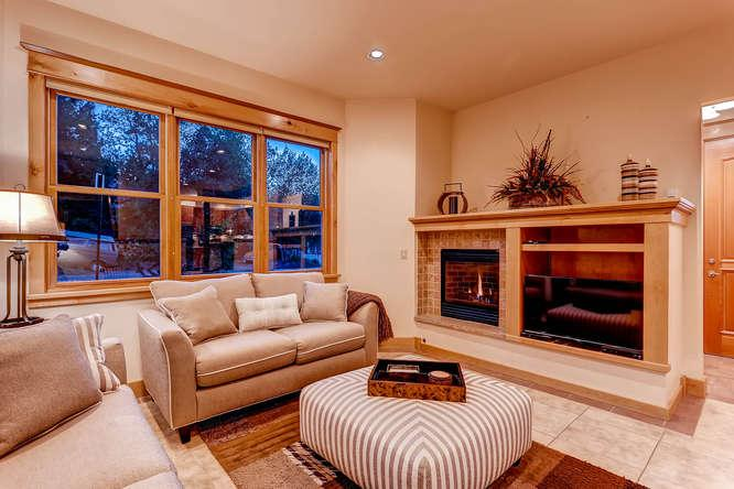 French Street Retreat - 4 bd downtown with hot tub - Image 1 - Breckenridge - rentals
