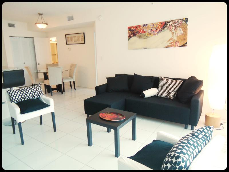 Romantic apart 1 bedroom gorgeous view Sunny Isles - Image 1 - Sunny Isles Beach - rentals