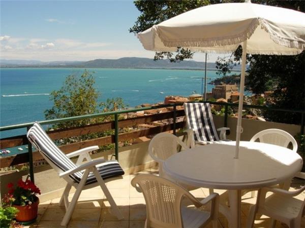 4 bedroom Villa in Monte Argentario, Tuscany, Monte Argentario, Italy : ref 2233433 - Image 1 - Monte Argentario - rentals