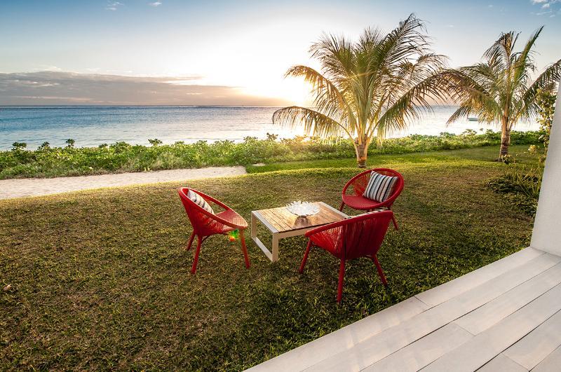 Luxury Suite - Flic en Flac - Cap Ouest 3 bedrooms Beachfront Suite by Dream Escapes - Flic En Flac - rentals