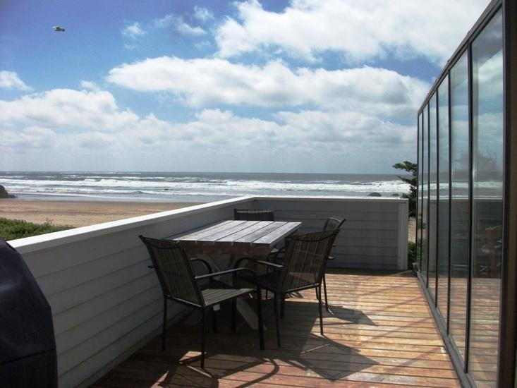 Upstairs Deck - Ocean House - Cannon Beach - rentals