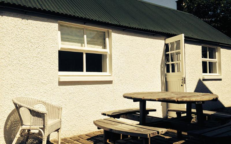 Simple, studio style accommodation for up to 4 guests - Plockton Bothy - Plockton - rentals