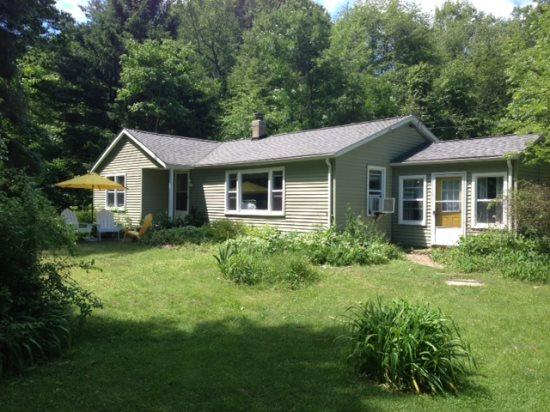 Front of Home - Dune Cottage - South Haven - rentals