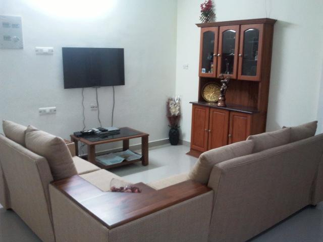 Drawing room - Fully Furnished and 3 BHK A/c Luxury Apartment nea - Kochi - rentals