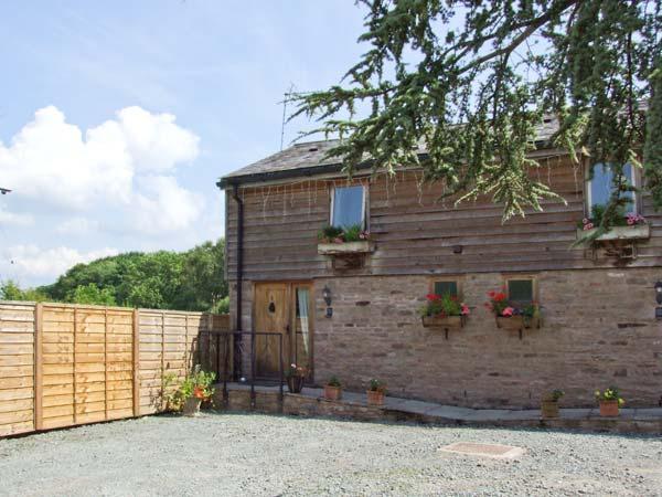WOODLAND VIEW, pet-friendly, WiFi, shared hot tub, open plan living, cottage near Pembridge, Ref. 26401 - Image 1 - Pembridge - rentals