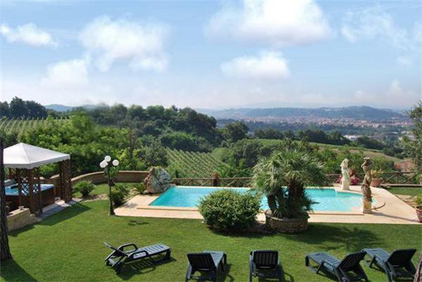 3 bedroom Villa in San Gimignano, Tuscany, Italy : ref 1720368 - Image 1 - Poggibonsi - rentals