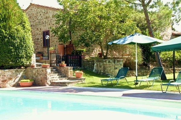7 bedroom Villa in Montalcino, Tuscany, Italy : ref 1720396 - Image 1 - Val d'Orcia - rentals