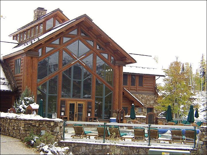 Exquisite Lodge Building with Common Hot Tubs Common Pool, Bar, and Meeting Rooms - Wonderful Resort Amenities - Beautiful Accommodations (6303) - Telluride - rentals