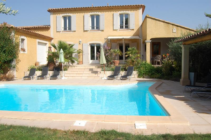 "The pool is the message! - ""Villa Marguerite"" by PROVENCE PARADISE - Saint-Remy-de-Provence - rentals"