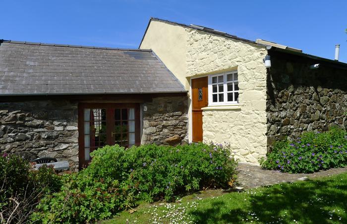 Ty Uchaf Cottage - Image 1 - Trefasser - rentals