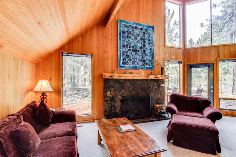 3BR home for 8 w/resort attractions; deck - Image 1 - Black Butte Ranch - rentals
