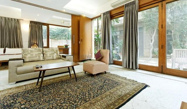 living room - Contemporary, luxurious, garden service apartment - Haryana - rentals