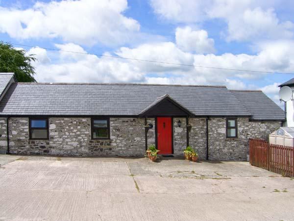 DAIRY COTTAGE, all ground floor, WiFi, enclosed private patio, close to Snowdonia National Park, Ref 914424 - Image 1 - Llanrwst - rentals
