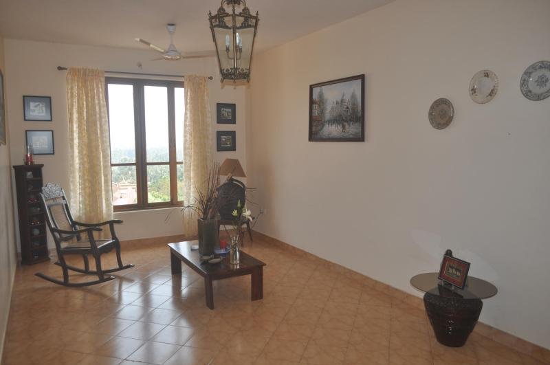Living Room - Lovely 2BHK apartment with a View at Dona Paula - Dona Paula - rentals