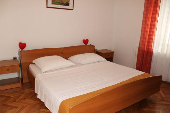 Zeno 1 Apartment for 4 persons (2+2) in the Novalja city center - Image 1 - Novalja - rentals