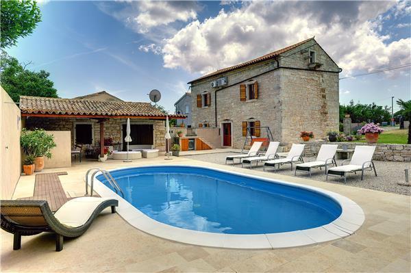 5 bedroom Villa in Hreljici, Istria, Croatia : ref 2064638 - Image 1 - Bratulici - rentals