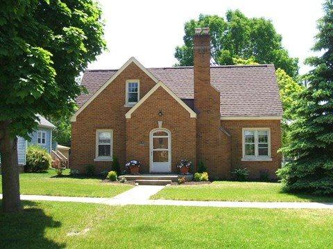 Welcome - 402 Michigan - Weekly stays begin on Sunday - South Haven - rentals