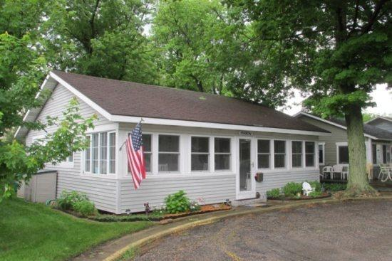 Martin Cottage - The Martin - Summer rentals begin or end on Friday. - South Haven - rentals