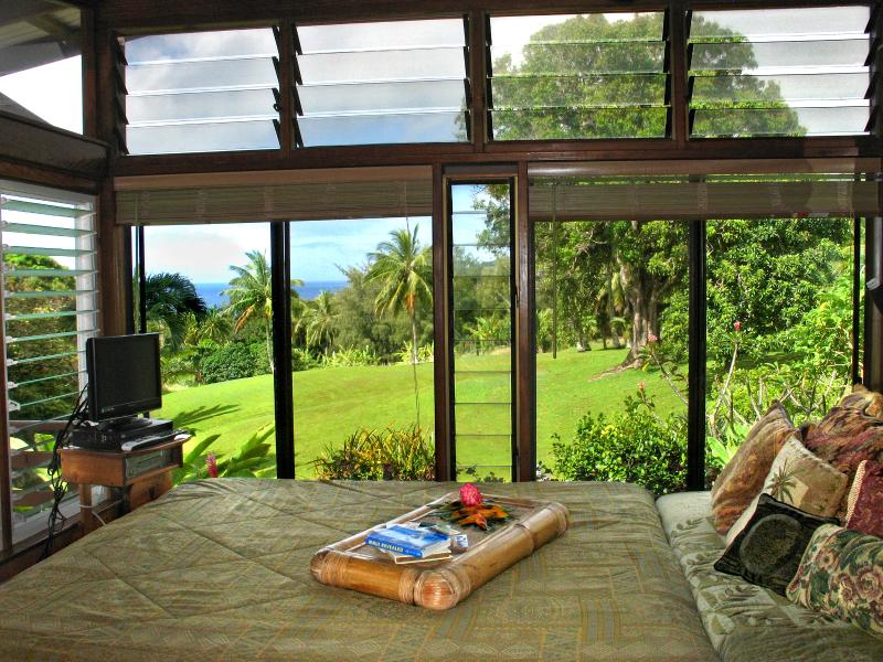 The custom made King Size Bed and your view from it. - Ala Aina Ocean Vista - Hana Bed and Breakfast - Hana - rentals