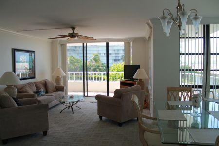 Living Room Area - Stunning condo with front wrap balcony overlooking the Gulf of Mexico - PERFECT BEACH VIEWS ! - Marco Island - rentals