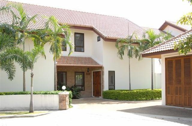 The Villa Parking and Garage - Andaman Residences - Large Four Bedroom Villa - Rawai - rentals
