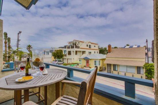 North Mission Beach 2 bedroom with a view - Gail's Mission Beach Getaway - Pacific Beach - rentals