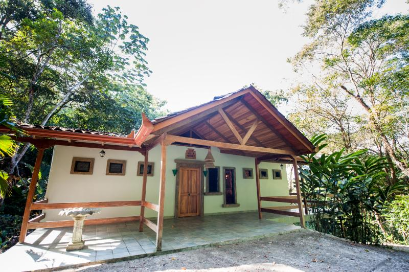 Front view - 4BR Rain Forest Retreat! Private Pool, Spa on site - Manuel Antonio National Park - rentals