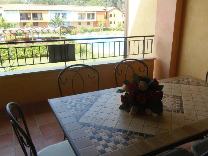 Grazioso Appartamento con veranda affaccio piscina - Image 1 - Policoro - rentals