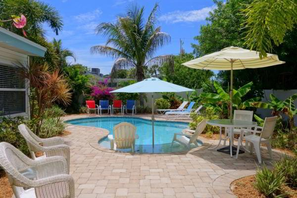 Pool 1 - BEACHSIDE PARADISE - Holmes Beach - rentals