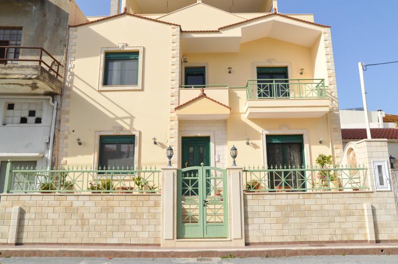 Villa Voutes - Image 1 - Stavrakia - rentals