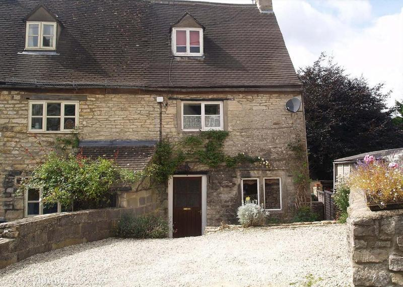 Exterior with parking for 2 cars - COMBE COTTAGE BRIMSCOMBE - Stroud - rentals