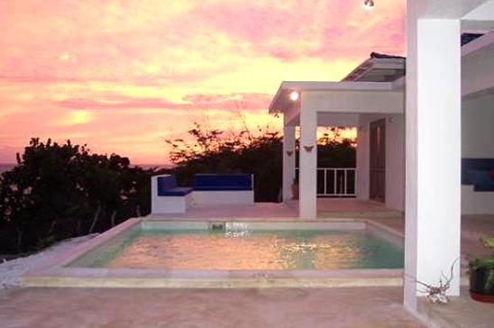 La Sirena: Peaceful Villa w/ pool & beach access - Image 1 - Treasure Beach - rentals