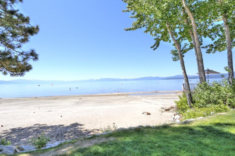 Sweetbriar Beach - Beautiful Sweetbriar E5 lakefront condo! - Kings Beach - rentals