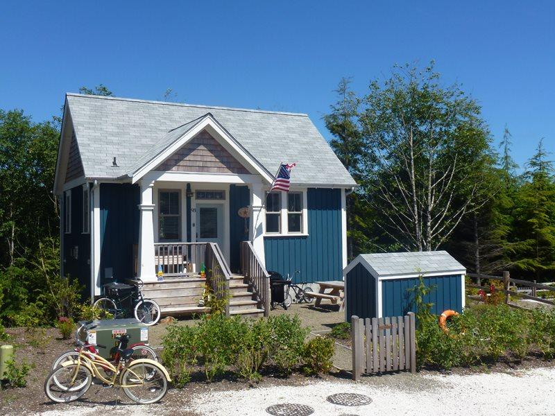 Flotsam House is a fully furnished house located in beautiful Seabrook Washington - Flotsam House - Pacific Beach - rentals
